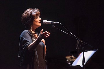 Yolla Khalifé. Le Liban, tel qu'en lui-même enfin la musique le change  | ♫ dans - CULTURE